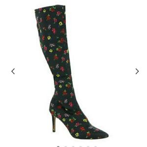 Betsy Johnson Vidal knee high boots size 8 floral